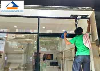 dịch vụ lau kính vệ sinh kính-công-nghệ-làm-sạch